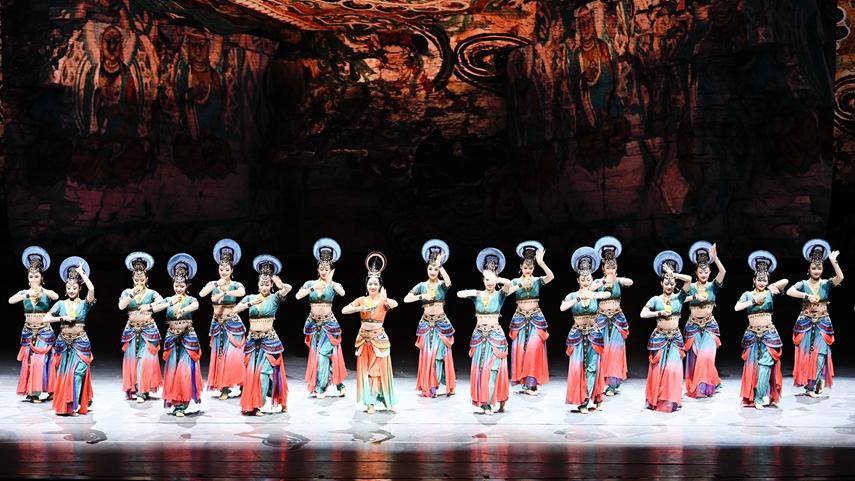 第六屆全國少數民族文藝會演在京閉幕