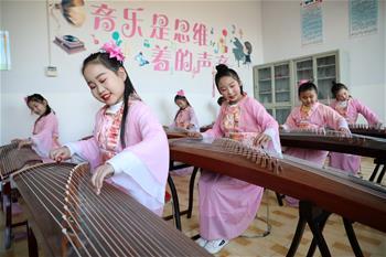 河北唐山:多彩社團豐富學生生活