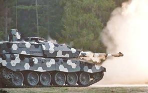 """英國坦克德國炮? """"挑戰者""""2型130毫米坦克炮面世"""