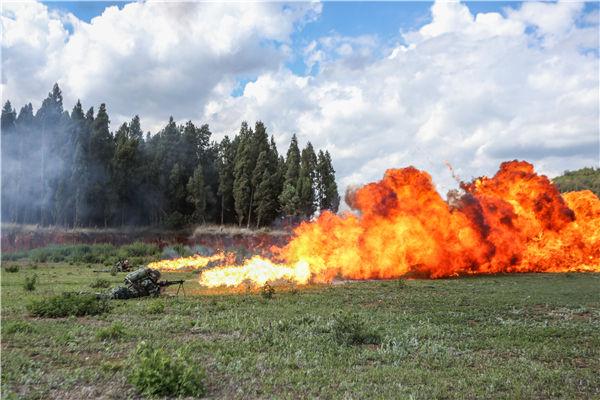 火力全開!武警雲南總隊某支隊組織多型重火器實彈射擊