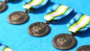 """中國第16批赴蘇丹達爾富爾維和工兵分隊官兵榮獲聯合國""""和平榮譽勳章"""""""