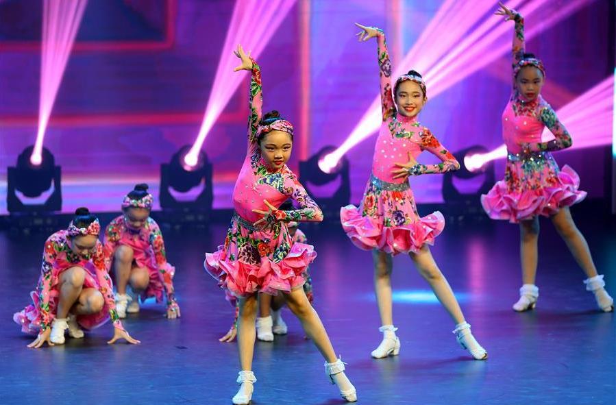 上海舉辦市民流行舞比賽