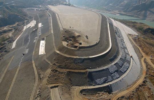 白鶴灘水電站超高填方移民安置項目主體完工