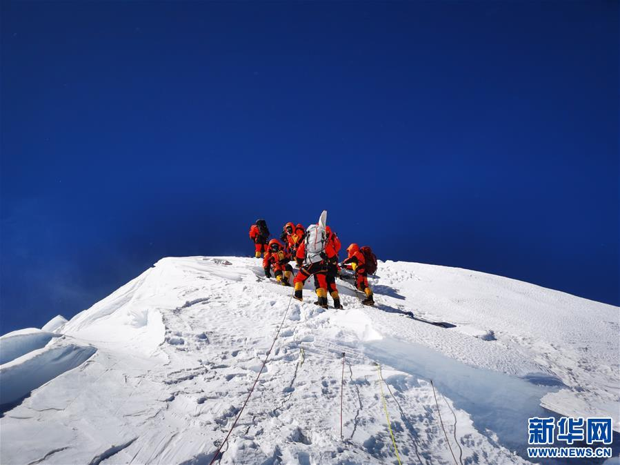 新華社評論員:科學的探索,精神的高度