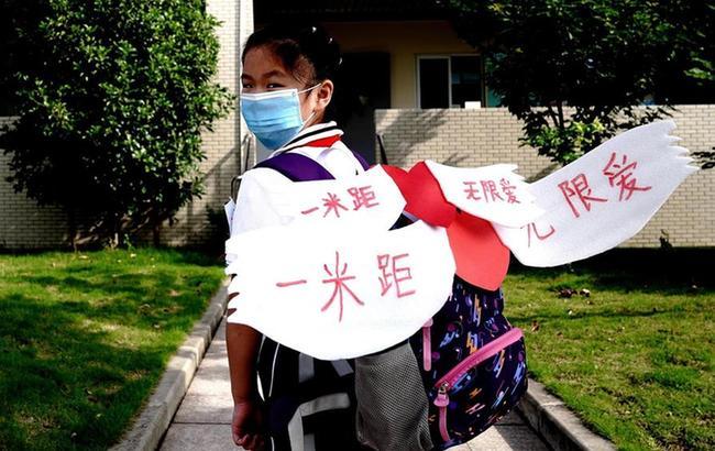 上海小學低年級學生返校開學