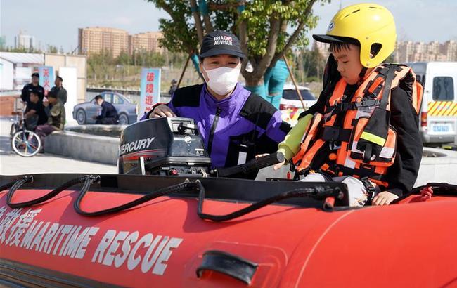 上海舉辦青少年應急安全體驗營