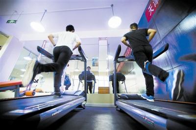 学生宿舍健身房免费开放
