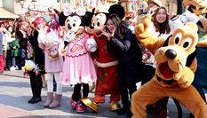 """上海迪士尼樂園推出係列""""新年大餐"""""""