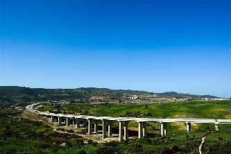 中國公司助力阿爾及利亞修築南北通途