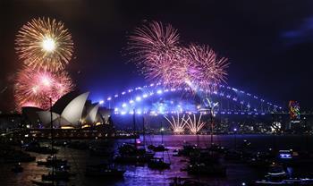 悉尼燃放焰火迎新年