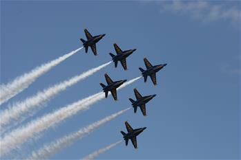 美國海軍舉行特技飛行表演