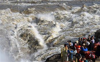 黃河壺口瀑布水量大增