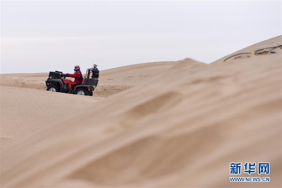 (新春走基層·圖文互動)(3)大漠中,一頂帳篷守歲五年