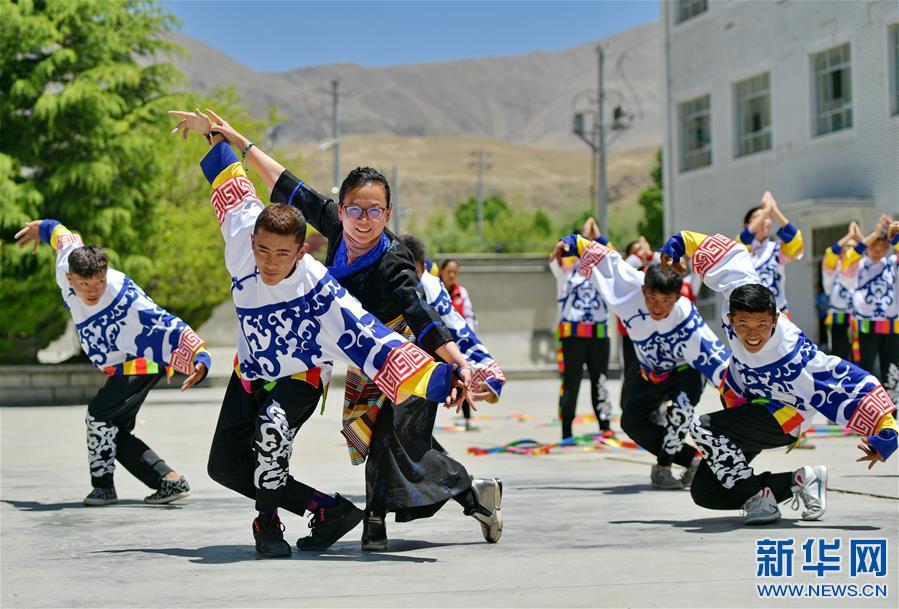 """(教育)(1)湖北省""""组团式""""教育援藏见成效"""